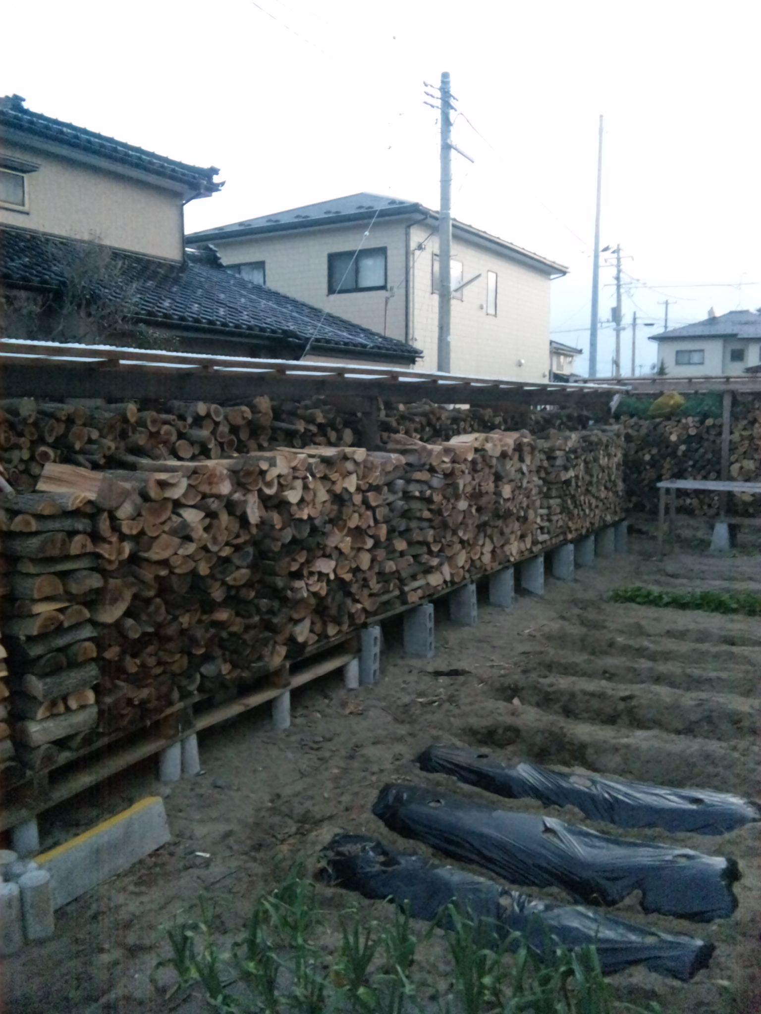 薪の積み直し